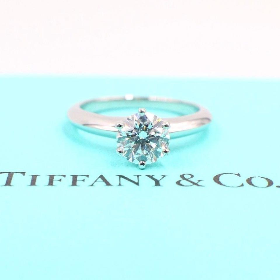 Tiffany выкуп компании